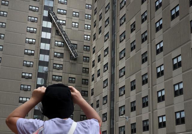 房市好像逐渐深陷买房者没钱买,购房者卖不出去的怪圈