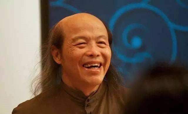 林清玄简介,文学大师林清玄,失业、婚变后隐身山林,是什么让他从容过一生?