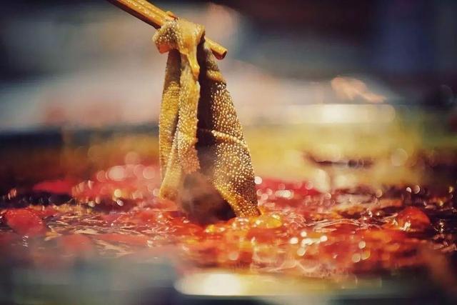 """重庆火锅的吃法,重庆火锅又称作""""毛肚火锅""""?火锅来源于毛肚的吃法,你知道吗"""