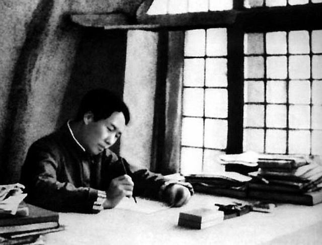 五的诗,随行干部写诗请教主席,毛主席修改五字点铁成金