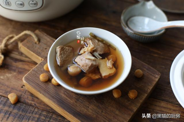 鲜石斛的吃法,立春后,多用这4种食材煲汤,汤不腻有回甘,健脾顺气家人都喜欢