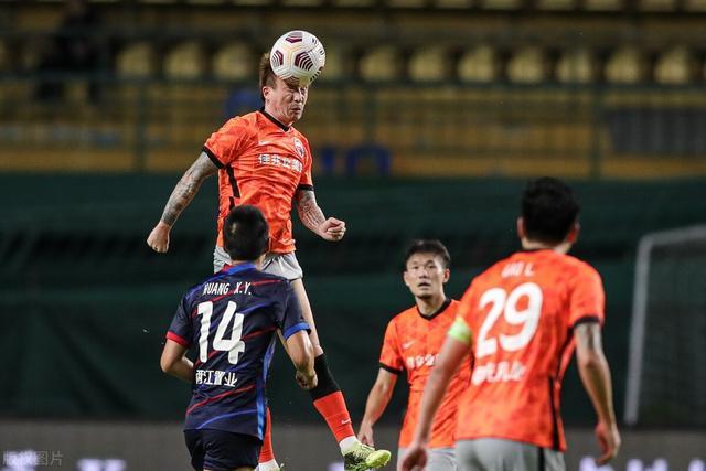 欧洲球队邀中国球员加盟:带着赞助商来 王霜有望再赴豪门踢球 全球新闻风头榜 第1张