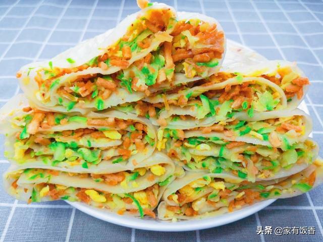 撒子的吃法,4个西葫芦加1把馓子,简单一卷比饺子还好吃,1周3次吃不够