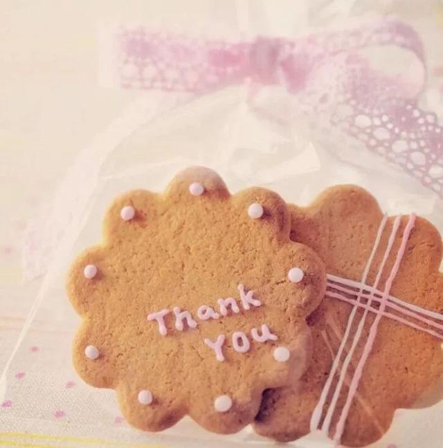 感恩短句,感恩节祝福语言简短的,感恩节感谢所有认识的人的说说