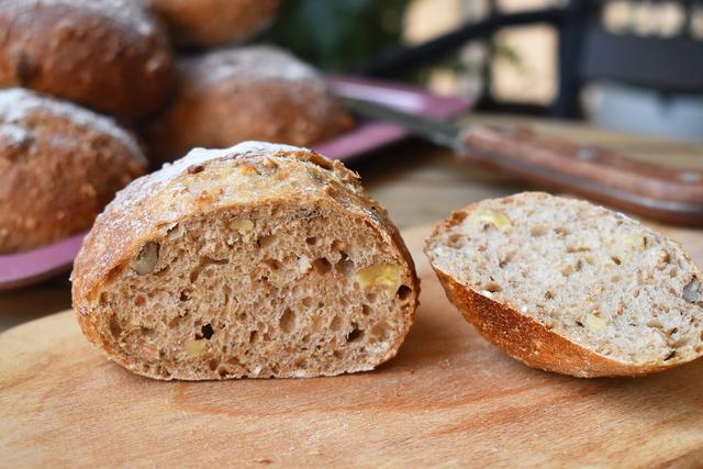 面包的做法家庭做法,想吃面包不用买,简单几步就能做好,无油无糖越嚼越香,好吃实惠