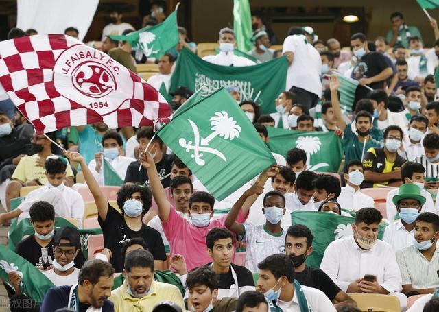 看扁国足!沙特媒体称国足是小组最弱队,赢下中国队将一骑绝尘 全球新闻风头榜 第3张