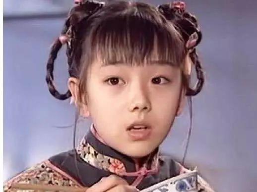 小雅思,《还珠》小鸽子,6岁出道,13岁巅峰时隐退,31岁皈依佛门