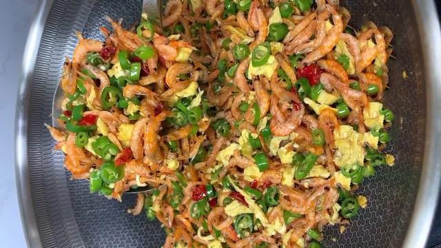 虾干的做法,风味小干虾的做法,香辣咸香风味独特,下酒菜或者卷饼吃都很美味