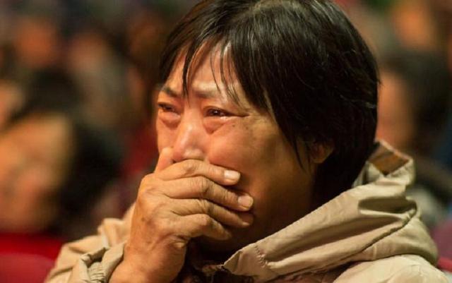 女性明确提出28万彩礼钱,刘阿姨愣住了,她只有乞求孩子提出分