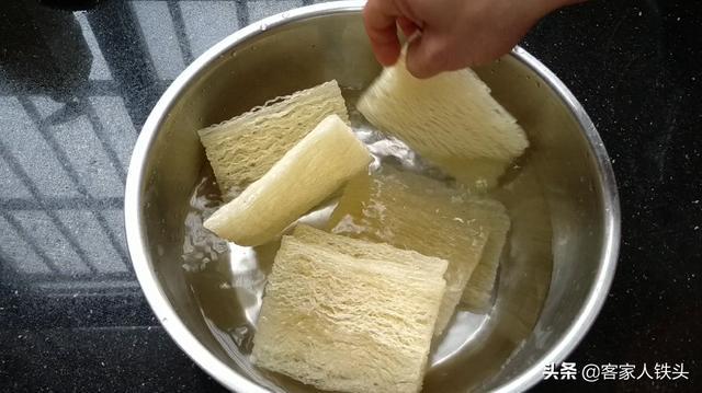 怎么做米粉,米粉这样做,孩子最爱吃,喷香味美,出锅一会吃精光,比炒的还香
