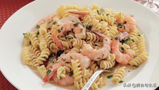 意大利面怎么做,特浓蒜香鲜虾口味的意大利面,手把手教你做,老外都吃服了
