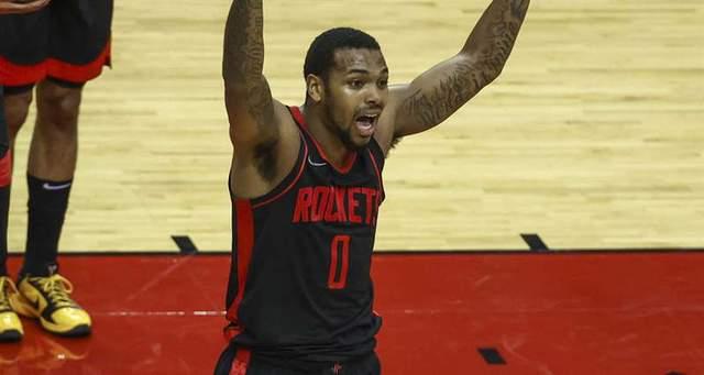 NBA火箭小将遭围殴后影片曝光鲜血狂流毛巾全染红