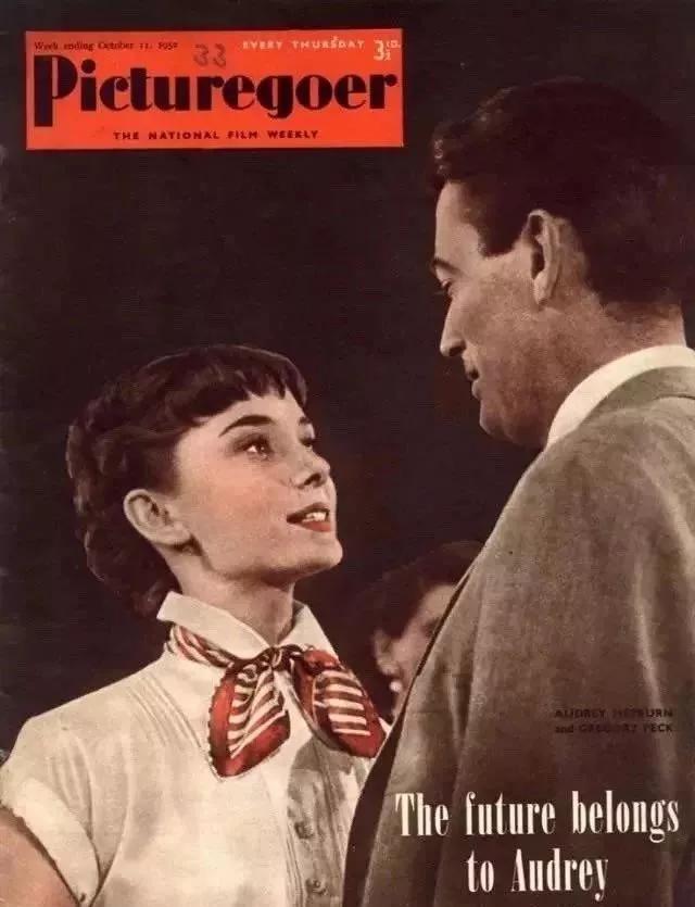 """为什么你一戴丝巾就显老气?不懂它的""""搭配法则"""",难怪显老10岁"""