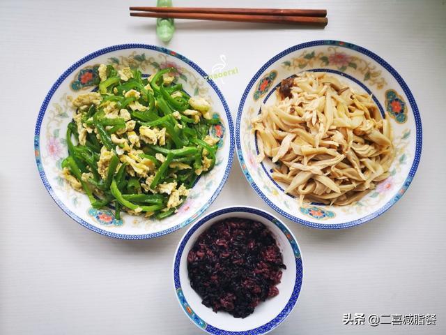 都带饭到单位吃吧,营养师3周的午餐食谱,营养均衡,荤素搭配