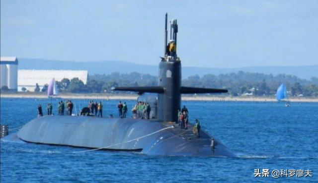 澳大利亚背信弃义,600亿美元潜艇大生意打水漂,法国出离愤怒了