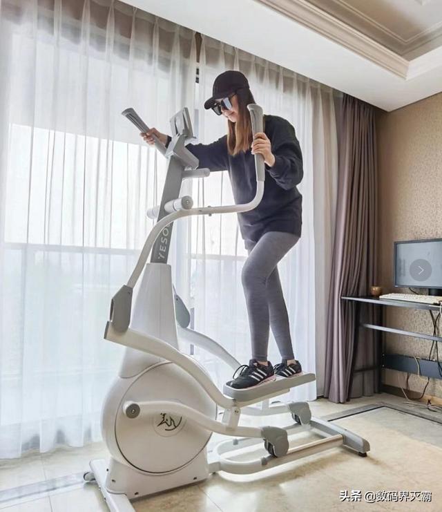 在家里运动一致有私教请示,超静音家庭健身器材—野小兽动感单车