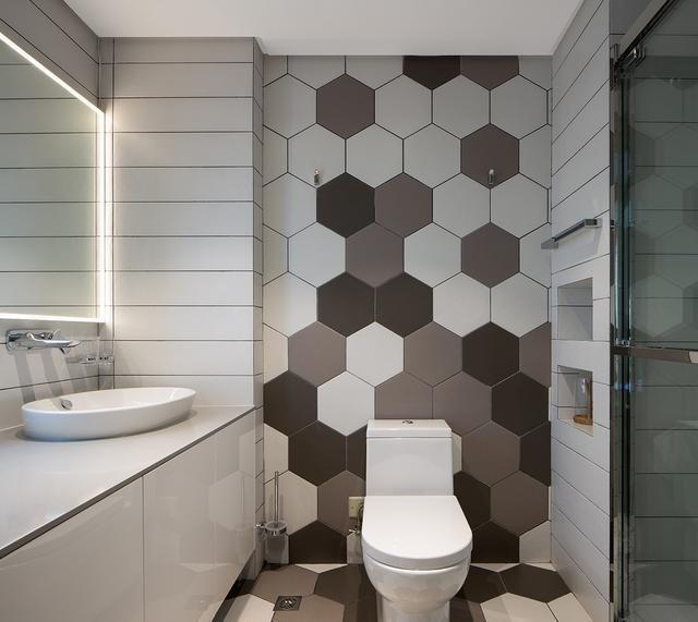 6个超实用浴室装修案例实景成绩图,你要的暗白灰卫生间都在这边