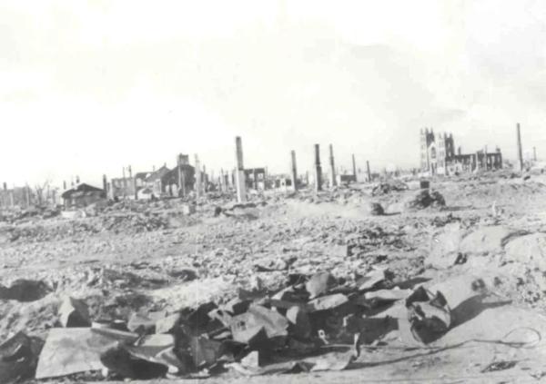 """拜登又下令轰炸!""""一炸一路""""的美国,用炸弹在世界铺了一条鲜血之路"""