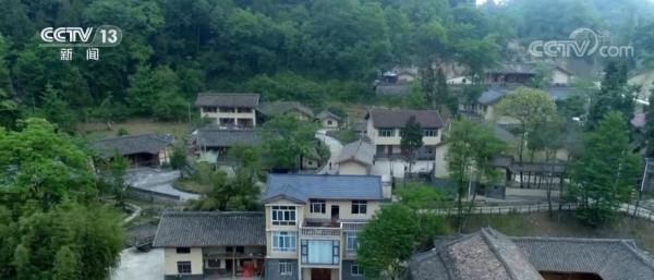 新修订的《土地管理法实走条例》|保障乡下村民实现户有所居