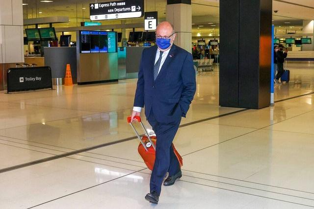 """澳大利亚撕毁协议美国""""背后捅刀"""",愤怒召回大使后马克龙将如何应对?"""