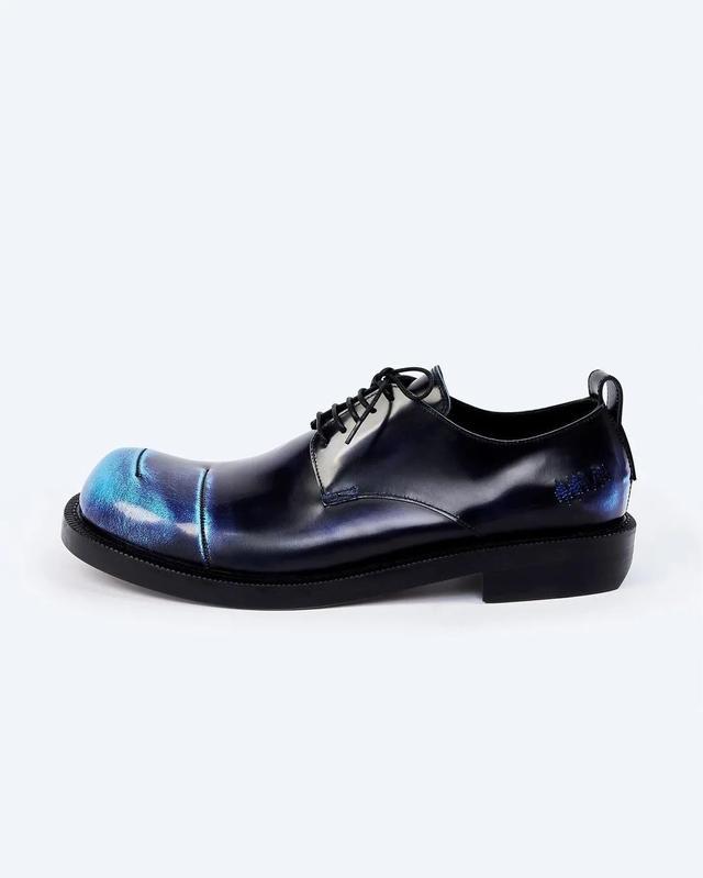 潮流 | 首届Kith Bmw M4比赛举行,Ader Error首个鞋履系列发售  第8张