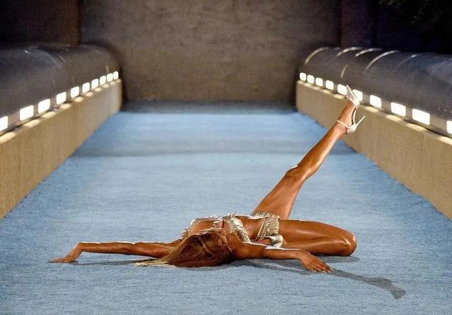 潮流 | 首届Kith Bmw M4比赛举行,Ader Error首个鞋履系列发售  第17张