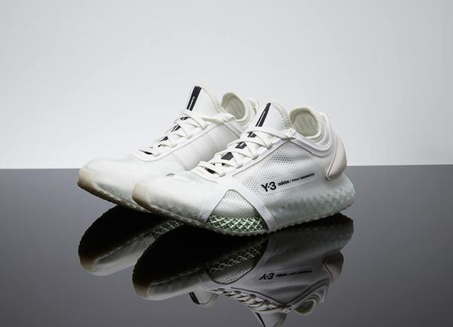 """每周鞋报:adidas 当家球星利拉德竟然穿上了""""TS"""";Y-3 全新鞋款一鞋两穿"""