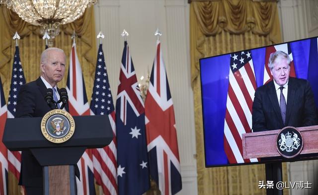 合伙演我?澳大利亚撕毁900亿合同转投美,法国:让人想起特朗普