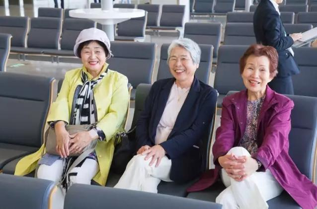 """日本老人的晚年生活,比起""""养儿防老"""",更注重""""新型养老""""模式"""