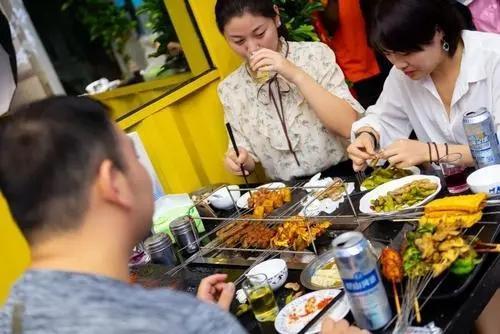 """坚持吃""""花生米"""",到底是""""养胃""""还是""""损伤胃""""?不妨来了解下"""