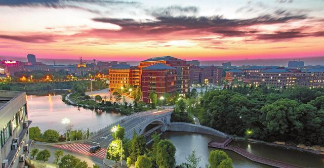2021湖南公办本科院校排名出炉,中南第二,湖南科技大学首进前十