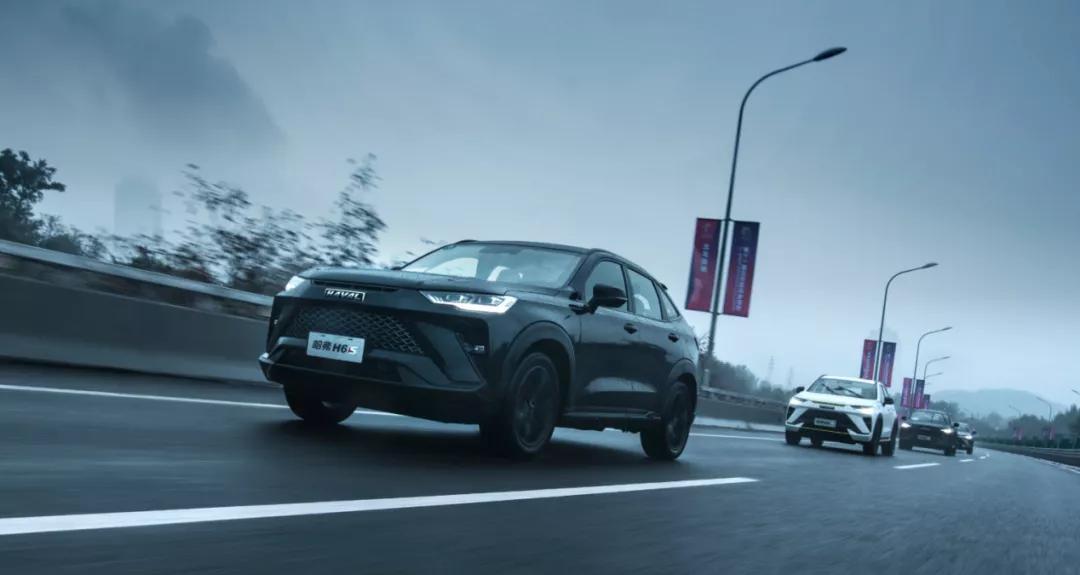 这台轿跑SUV加速快、空间大还有混动!试驾哈弗H6S