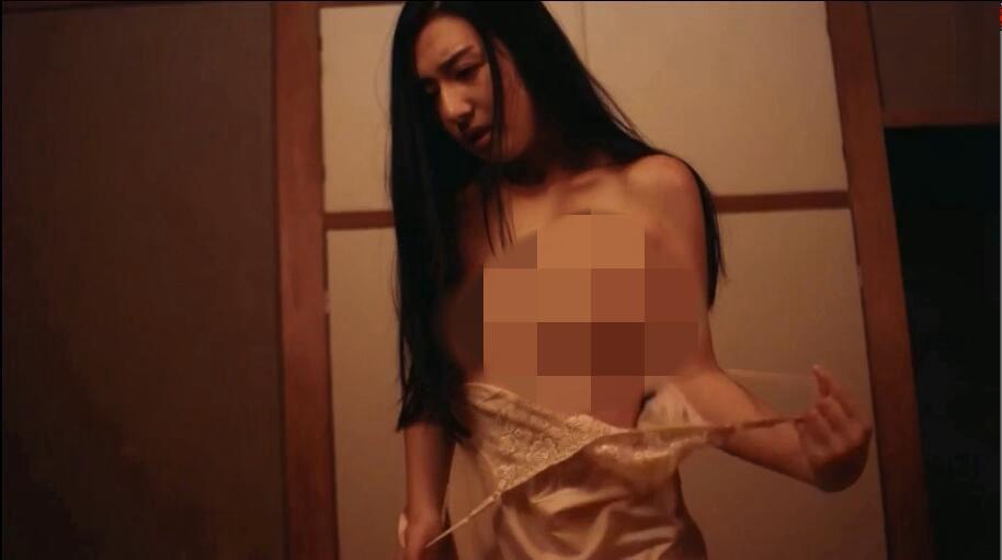 快乐写真馆:情欲暗房/快楽写真館 ~エロスは暗室の中に~影片剧照5