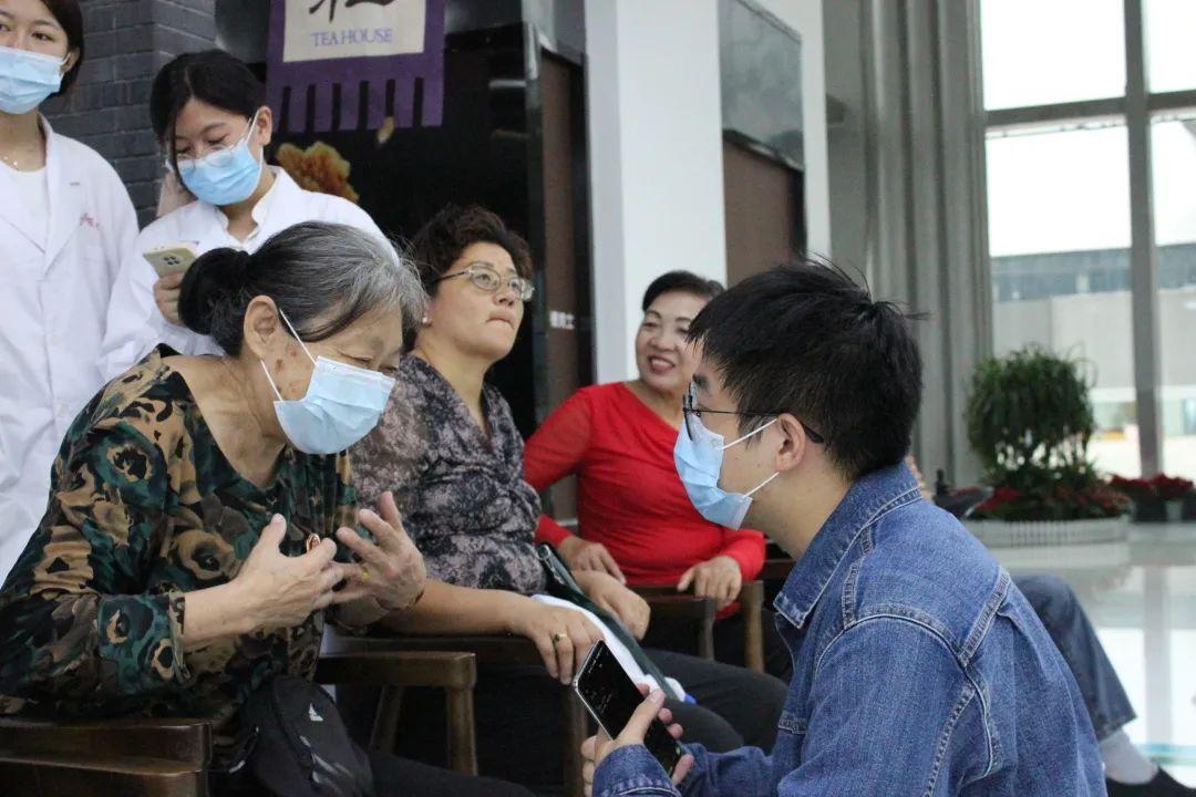 济南组织传统药香体验课堂暨中医义诊活动