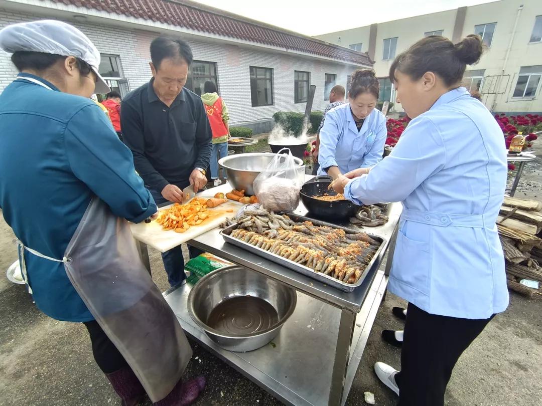 东港各乡镇、部门重阳节活动丰富多彩