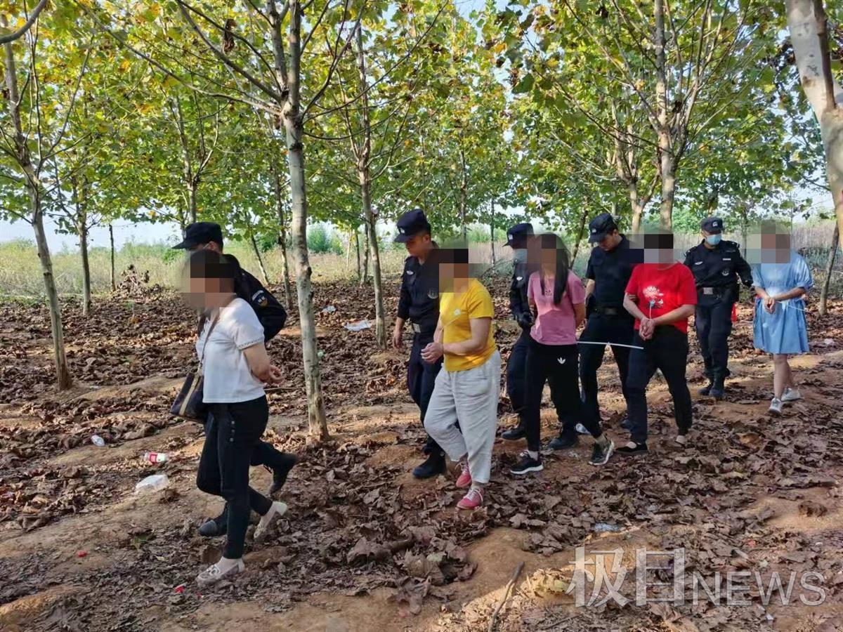 赌博窝点设在边界丛林内,汉鄂两地警方联手捣毁