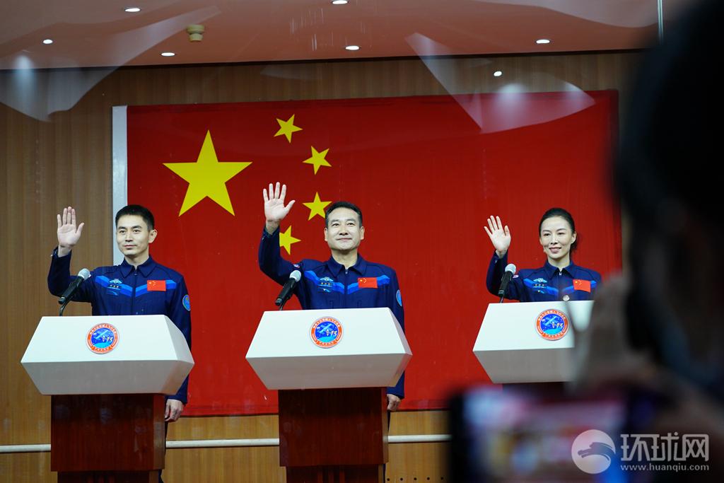 王亚平将成中国首位出舱女航天员!女航天员生理和心理上有这些优势