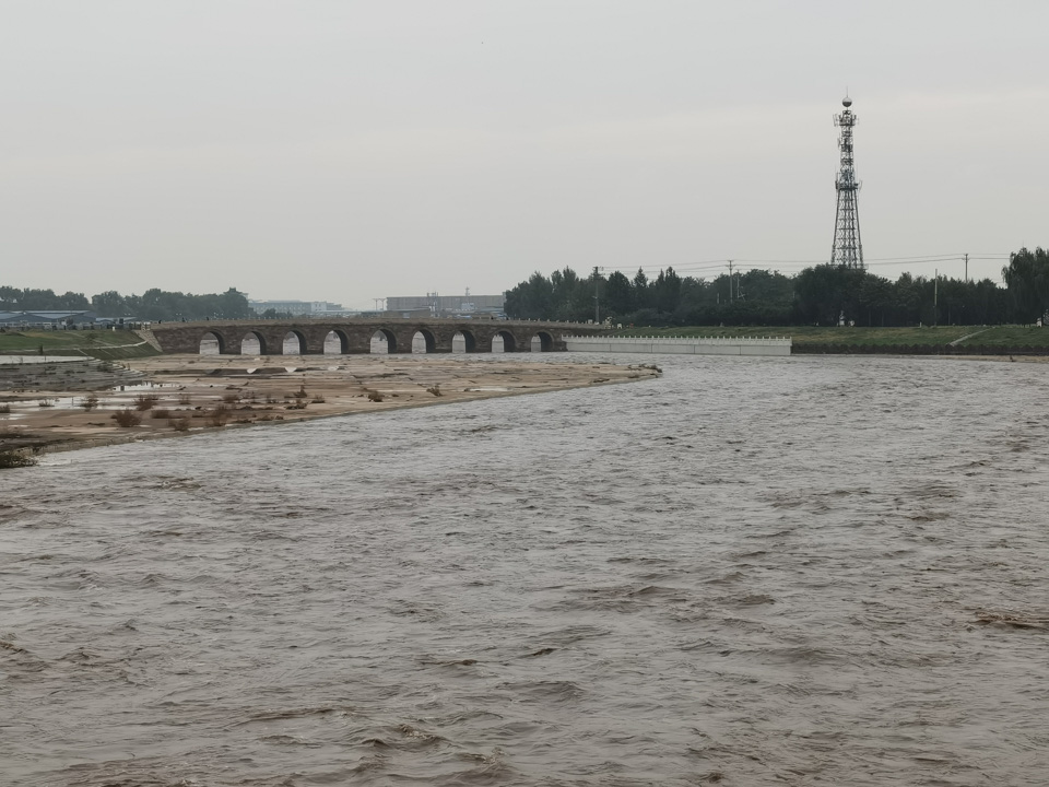 山西暴雨90小时:河水决堤、万人转移、山体滑坡
