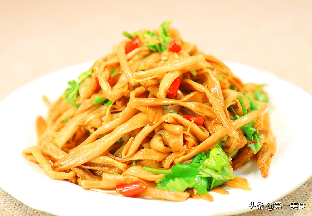 【凉拌黄花菜】做法步骤图 脆嫩爽口 做一盘不够吃