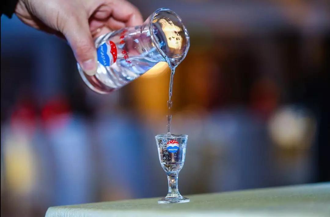 研究發現:白酒中脂肽類活性物質,竟有抗病毒抗癌的作用,要信嗎
