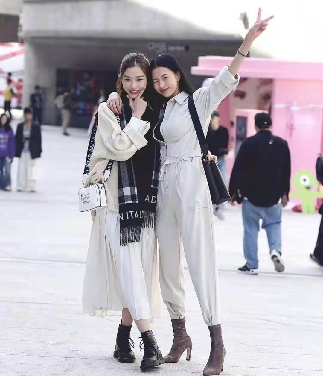 還是韓國街拍最自然,一點也不辣眼睛!穿搭簡約時尚值得借鏡 形象穿搭 第5張